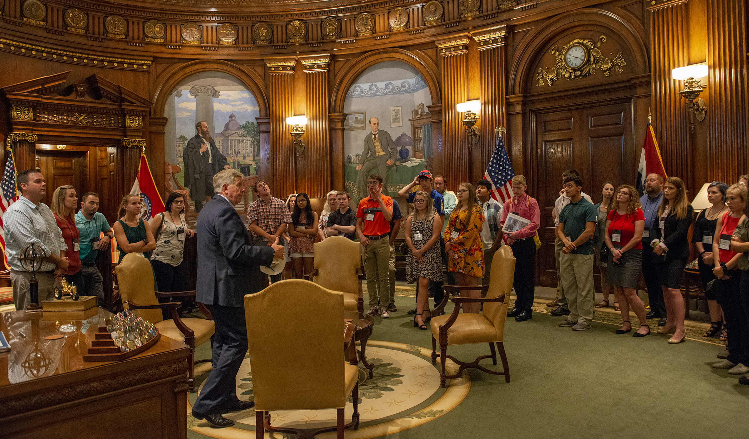 2019 CYCLE delegates visiting with the Governor